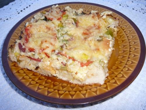 pizza z karmelizowanym porem
