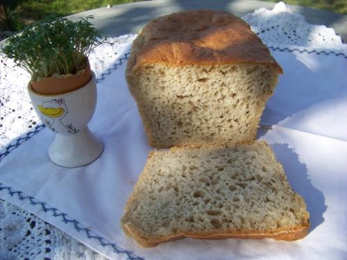 chlebek pszenno-żytni z ziołami