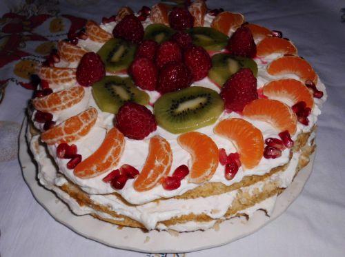 tort z masą jogurtową1